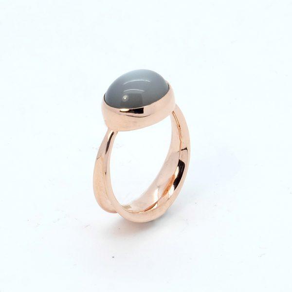Serena Fox Ribbon Seaweed grey moonstone ring in 18 carat Rose Gold