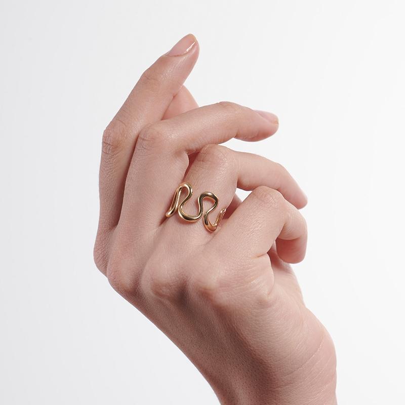 Serena Fox Wisp Ring - model